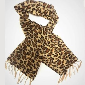 Fleece scarf, soft, warm. Animal print, sand-brown